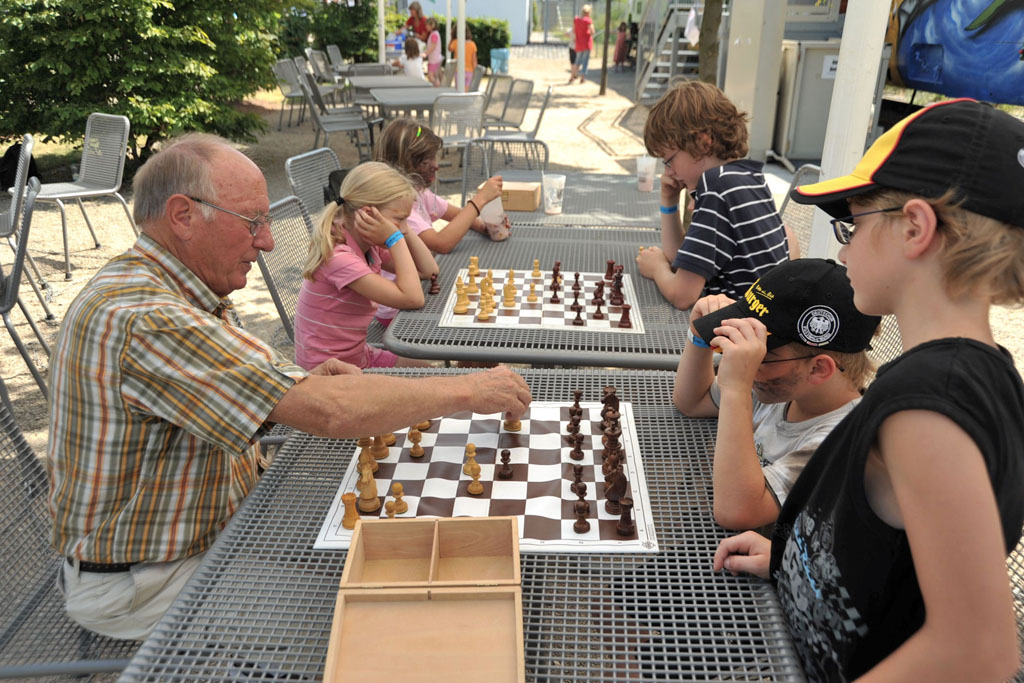 Frei Schach im Park am Mäuseturm 2