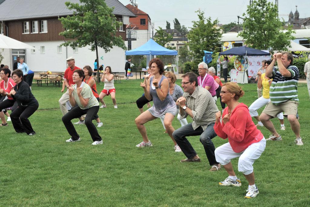 Freies Tanzen im Park am Mäuseturm 3