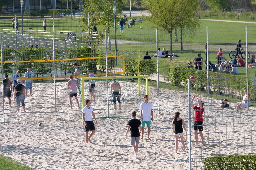 Sand Sportplatz im Park am Mäuseturm 1