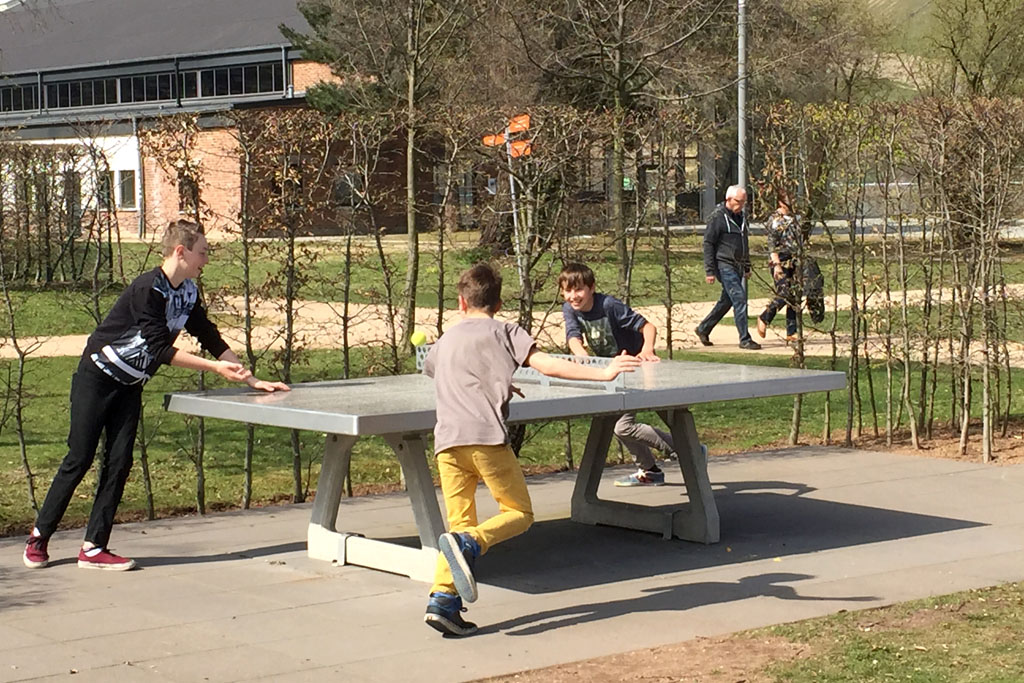 Tischtennis im Park am Mäuseturm 2