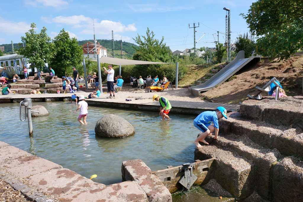 Wasserspielplatz im Park am Mäuseturm 1