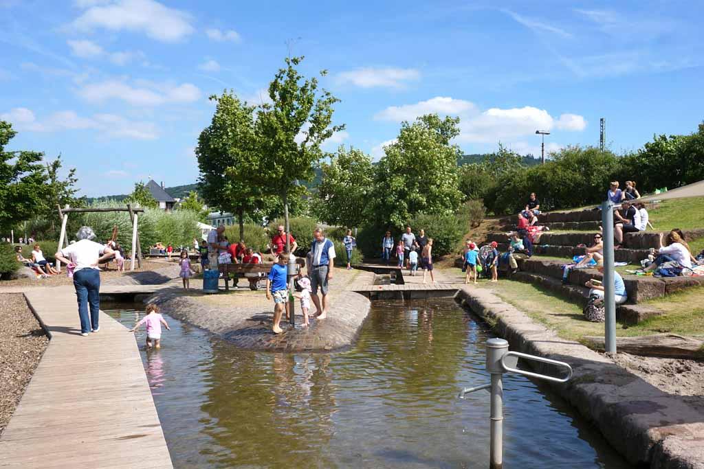 Wasserspielplatz im Park am Mäuseturm 3