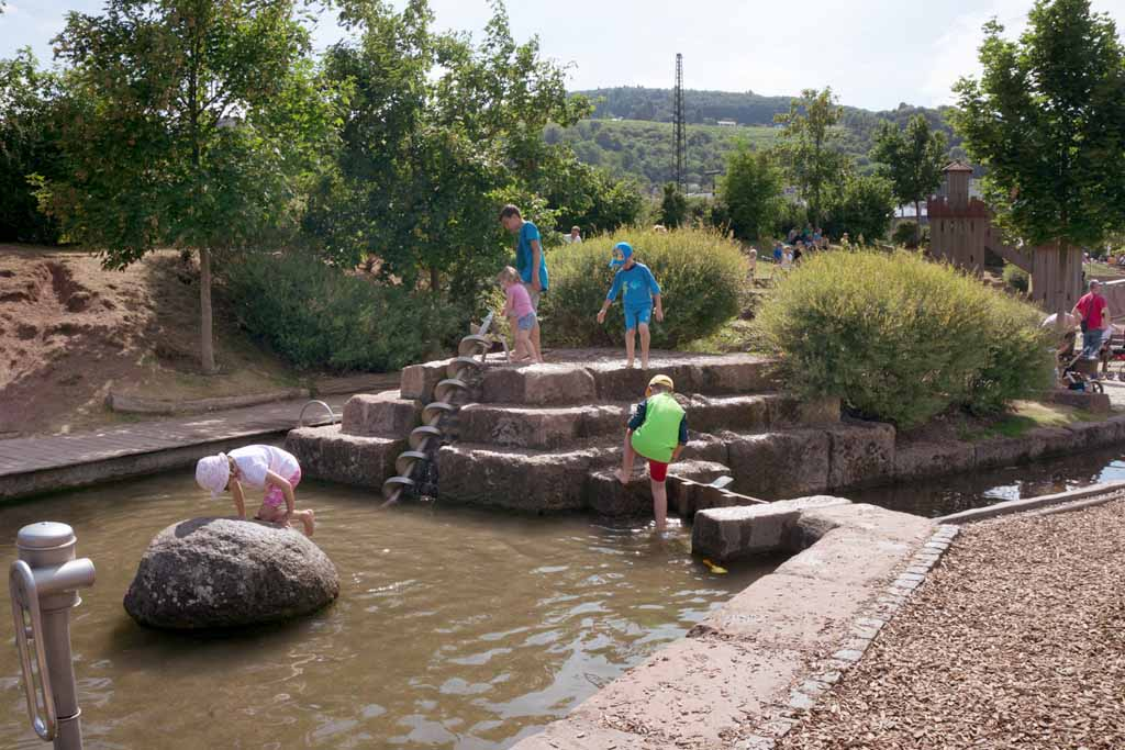 Wasserspielplatz im Park am Mäuseturm 4
